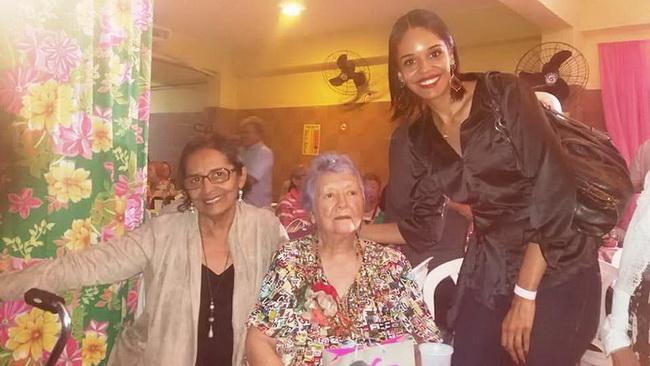 Rafhaela e Lourdes Nicácio e Myriam