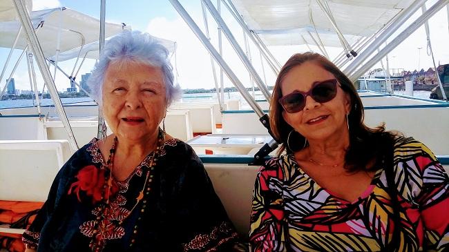 Recife, 12 de janeiro de 2018. Myriam Brindeiro e Geruza Carvalho no catamaran.