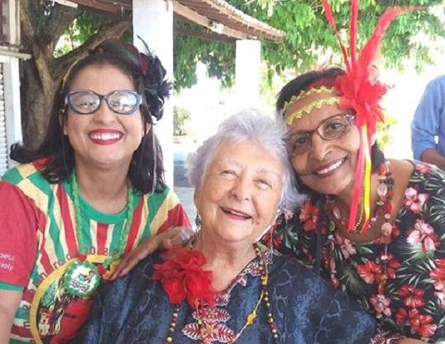 Recife, 12 de janeiro de 2018. Myriam Brindeiro e Lourdes Nicácio (à direita) à espera do embarque no catamaran.