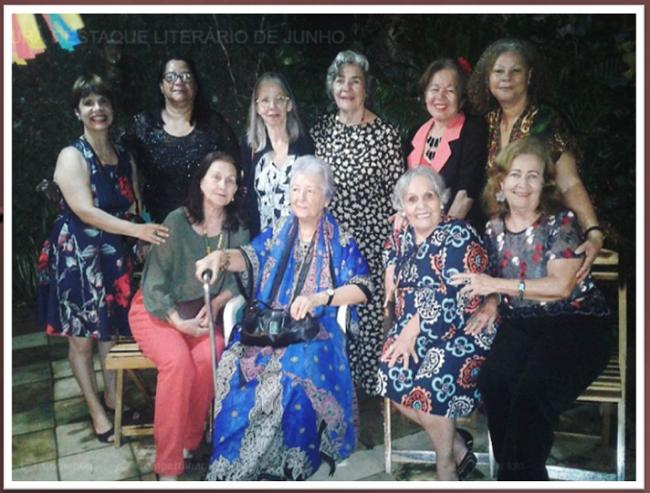 No Cultura Nordestina, em 07.06.2018, no Recife-PE. Myriam entre amigas na homenagem a Cássio Cavalcante.